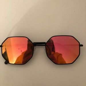 Quay Australia Black Frame wi/ Red Mirrored Lenses